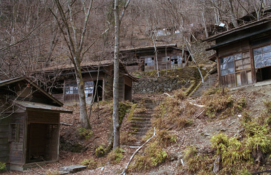 NAVER まとめゴーストタウン 廃村 廃校 打ち捨てられた場所